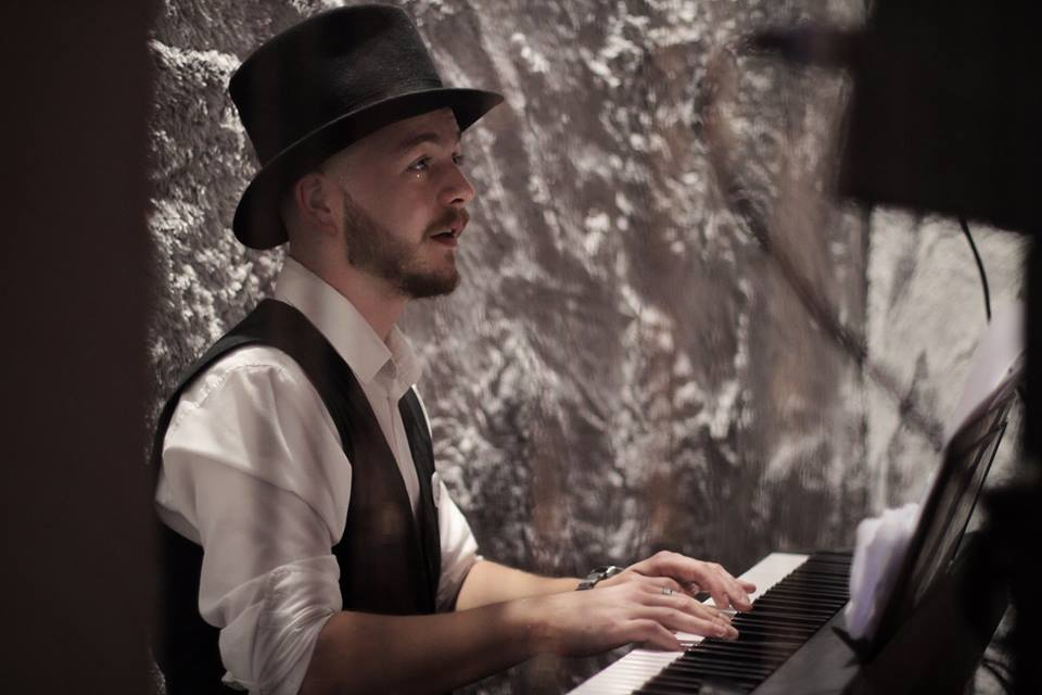 Večer sklavírem (Koncert Petera Gábora)