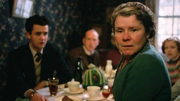 FILM - Vera Drake, žena dvou tváří