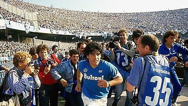Diego Maradona - ONLINE