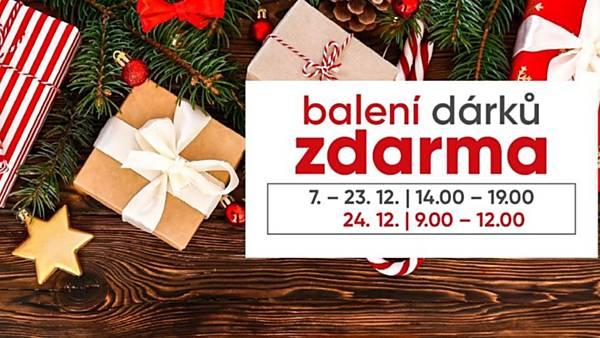 Balení dárků v Galerii Moritz