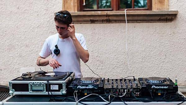 Urban Vibes: DJ Pavlo Chekay