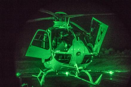 ...nedostatek světla už není problém. Eurocopter přes noční brýle.