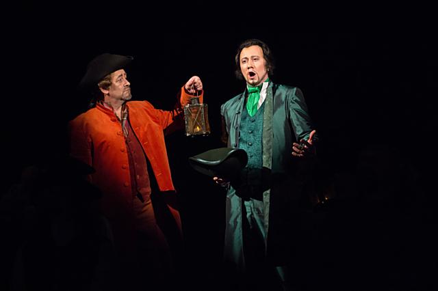 Ondřej Koplík (vpravo) získal nominaci za roli Hrabě Almavivy v Lazebníku sevillském.