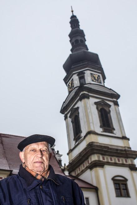 Věž Hradiska byla dlouhá staletí po požáru bez báně. Byla obnovena až během rekonstrukce v devadesátých letech.