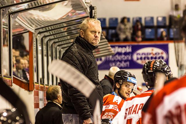 Šéf střídačky. I příští rok bude trénovat HC Olomouc rodák z Hranic Zdeněk Venera.