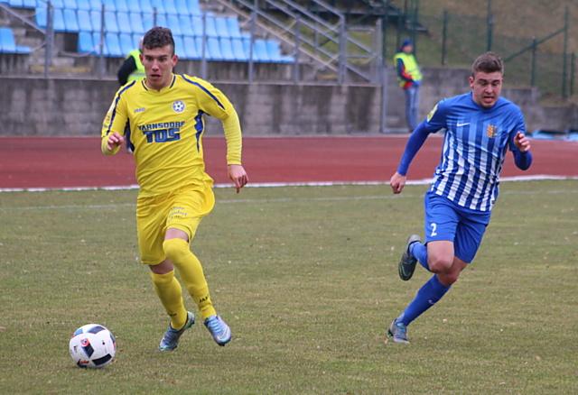 Fotbalisté Varnsorfu sice na úvod jara vyhráli v Budějovicích a smetli Prostějov, ale pak přišly tři porážky.