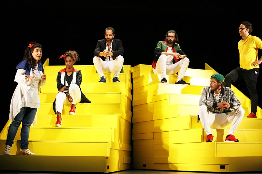 Inscenaci The Situation v podání berlínského Maxim Gorki Theater uvidí publikum Divadelní Flory 14. května v Moravském divadle.