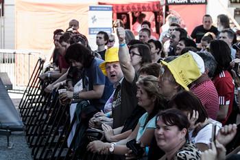 Lidé se i tak skvěle bavili a bylo to vidět hlavně pod pódiem. Poslední beerfestový den si nenechalo ujít dost lidí.