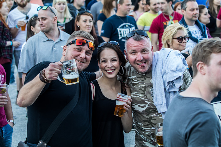 Na Korunní pevnůstce panovala skvělá nálada. Vyšlo počasí, lidé se bavili, pivovary si pochvalovaly, kolik piv se vytočilo...