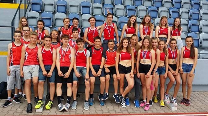 Úspěšní atleti AK Olomouc z Mistrovství Moravy a Slezska.