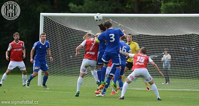 SK Sigma Olomouc porazil v přípravě Pardubice 2:1. Branky Hanáků dali Zahradníček a Kalvach.