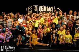 Moderní a pouliční tanec vyprodal divadlo. Jak se 331 Dance Studio Olomouc