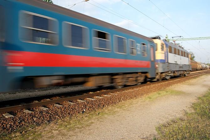 Vlaky směrem na Prahu nejezdí, náhradní autobusovou dopravu nelze zajistit. Ilustrační foto.