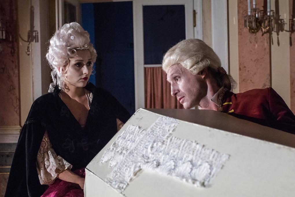 Wolfgang a Constanze - osudová dvojice. V hlavní roli skladatele se představí Petr Kubes, jeho manželku hraje Lenka Kočišová.