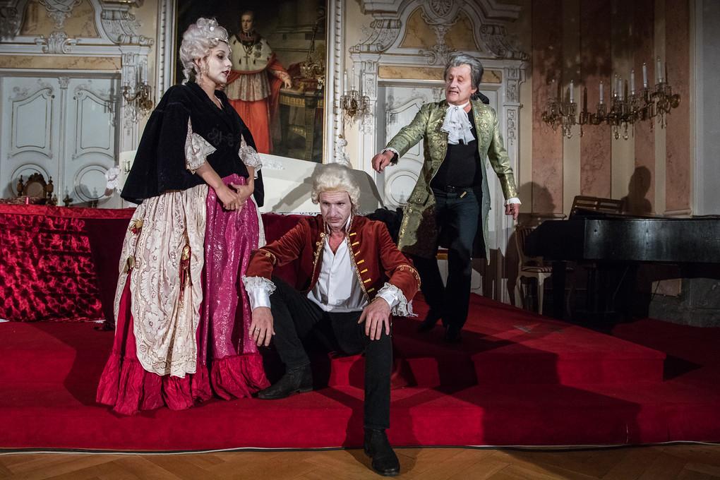 Mozart se sice do Olomouce už nikdy nevrátil, byl si ale vědom, že tady jeho život vstoupil do nové epochy. Podruhé se tu narodil. A také zde napsal svou šestou symfonii, které se proto říká Olomoucká.