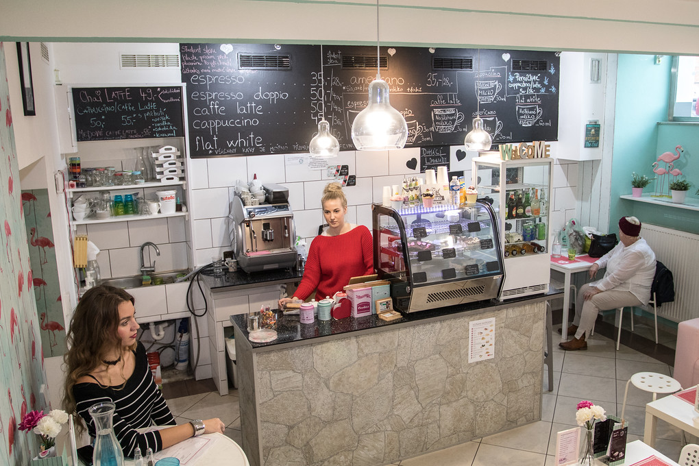 BerryBlue Café má otevřeno od sedmi do sedmi. V sobotu sem můžete zajít posedět od deseti do pěti. A určitě si dejte něco dobrého... Nám tu chutnalo opravdu moc!