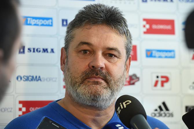 Sportovní manažer SK Sigma Olomouc Ladislav Minář nabádal hráče na startu přípravy k pokoře a poctivým výkonům.