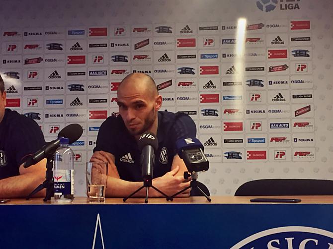 Kapitán Hanáků Michal Vepřek je nadšený z atmosféry na Andrově stadionu. Doufá, že fanoušci pomůžou jeho týmu i v neděli a že bude Andrák vyprodán.