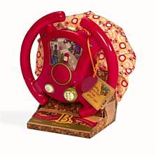 Interaktivní volant B toys se otáčí, vydává zvuky motoru a houkačky. Malý řidič může řadit, otáčením volantu pouštět blinkry, a dokonce si k jízdě může pustit některou z písniček. Díky polštářku na spodní straně volant příjemně sedí na klíně dítěte. (Bambule, 1099 korun)