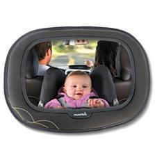 Zpětné zrcátko Baby In-Sight™ -  extra velké zrcátko Munchkin s měkkým orámováním snadno připevníte proti dítěti k sedadlu nebo opěrce hlavy v autě. Díky extra velké vypouklé ploše zrcátka vidíte vy na své dítě a dítě vidí v zrcátku sebe i vás. (Bambule, 699 korun)