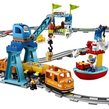 Lego Duplo Nákladní vlak (2799 korun)